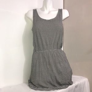 H&M Black White Basic Stretch Short Sleeved Dress